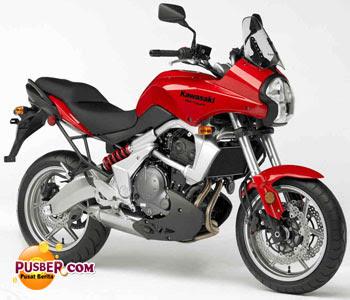 Kawasaki Versys Merah