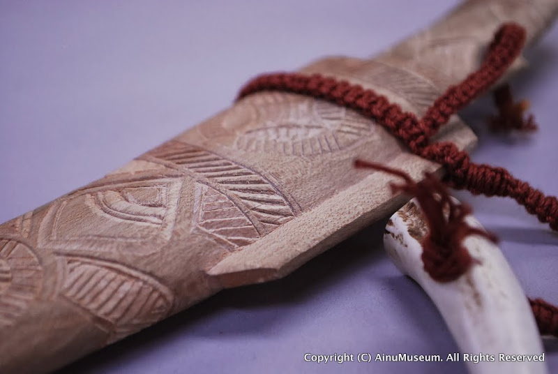 イタヤカエデ製の小刀の鞘