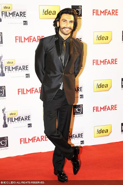 Ranveer Singh looks handsome in his suited look at the 58th Idea Filmfare Awards 2013, held at Yash Raj Films Studios in Mumbai.Click here for:<br />  58th Idea Filmfare Awards