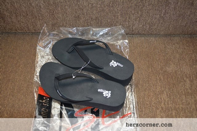 Kaylee Black Slippers from MSE