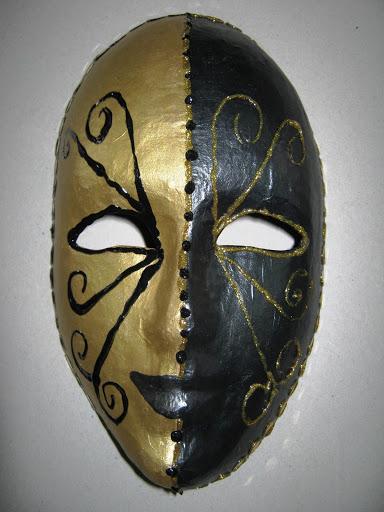 Maskers schilderen op buurvrouwendag 021.jpg