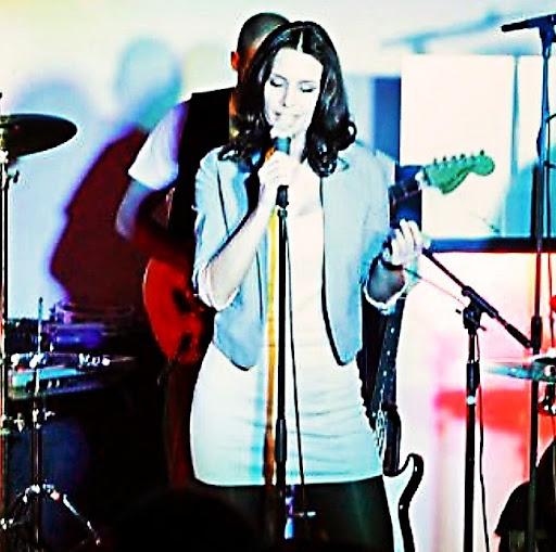 Monica Bobak Photo 3