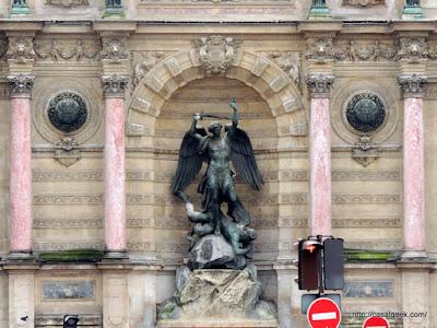 Casal Geek Eurotour 2013 - Descobrindo Paris - Dicas e Considerações Finais - Fontaine Saint-Michel
