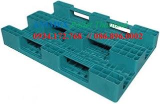 Pallet nhựa 3 thanh chặn nhập khẩu