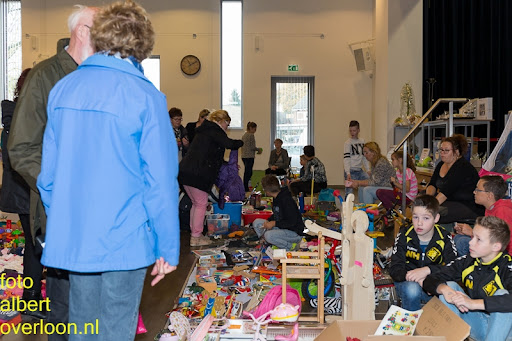 Kindermarkt - Schoenmaatjes Overloon 09-11-2014 (8).jpg