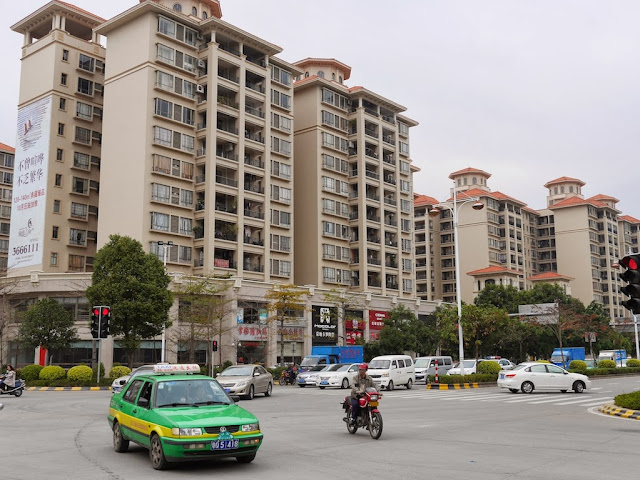 newer apartment complexes in Yangjiang, China