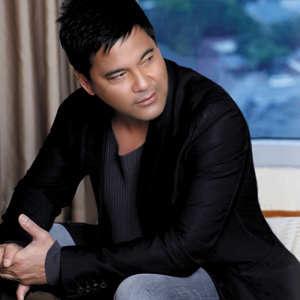 Martin Nievera 2012.jpg, Walang Hanggan, TV series