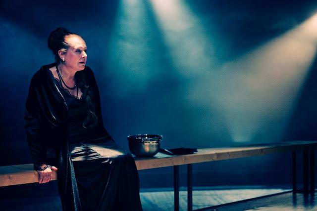 """Петя Силянова, """"Когато гръм удари"""", реж. Стайко Мурджев, фотограф - Георги Вачев"""