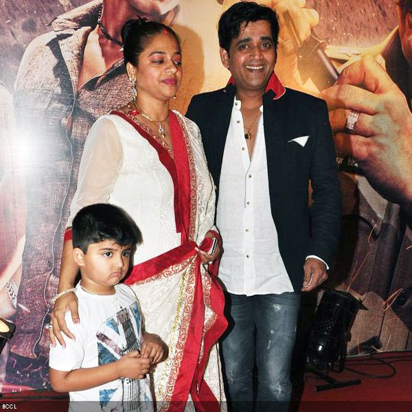 Ravi Kishan with family at the premiere of the movie 'Zila Ghaziabad', held at PVR Cinema in Mumbai, on February 21, 2013. (Pic: Viral Bhayani)