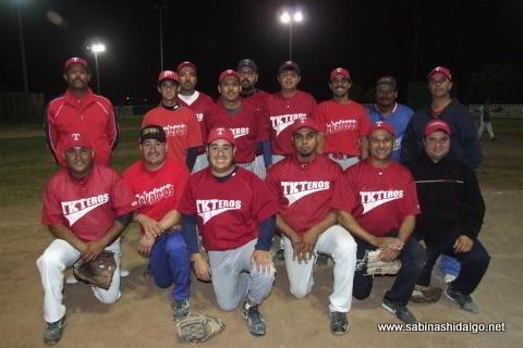 Equipo Tekateros del torneo nocturno de softbol