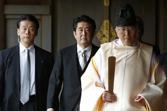 安倍晋三首相の靖国参拝にみる中国や韓国など各国の反応と日本国内の批判。いかに不公平な東京裁判の実態が知られていないか