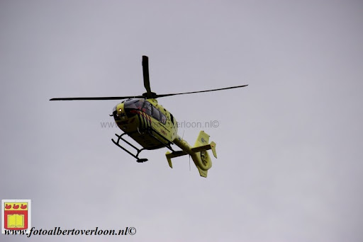 traumahelikopter landt in overloon 21-11-2012 (4).JPG