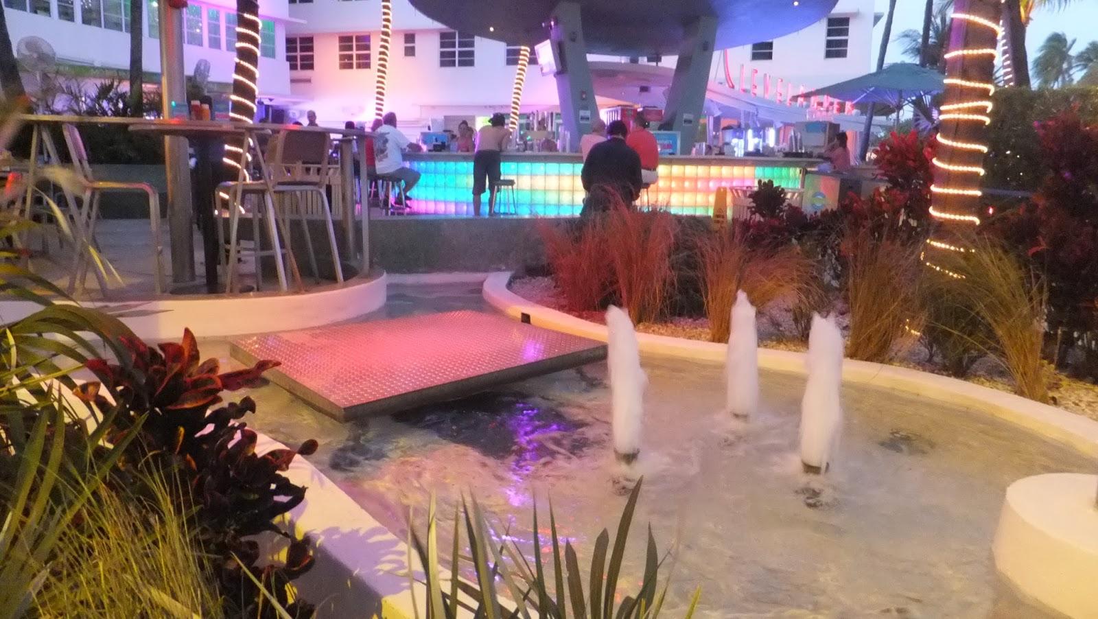 Clevelander, Ocean Drive, Miami Beach, SoBe, Florida, Elisa N, Blog de Viajes, Lifestyle, Travel