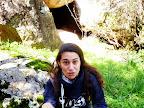 Πεζούλι, σπηλιά, κορίτσι, χαμόγελο