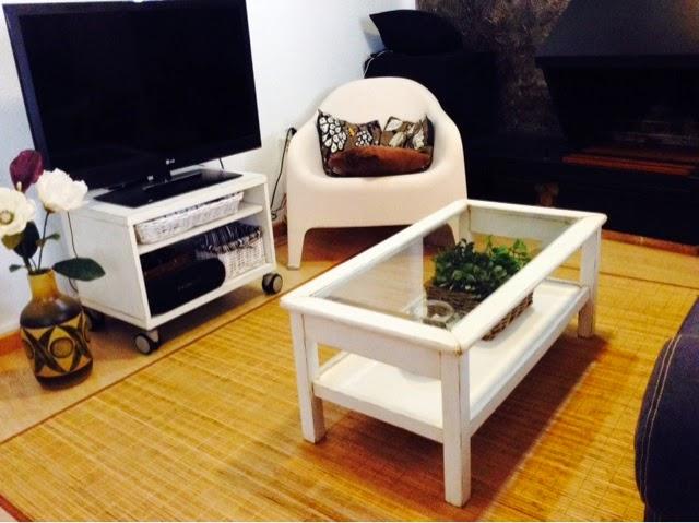 C mo restaurar mueble a antiguo vintage ilustraci n y - Transformar muebles antiguos ...