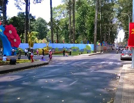 """Đường phố Sài Gòn """"thoáng đãng"""" trong ngày đầu tiên của kỳ nghỉ Tết"""