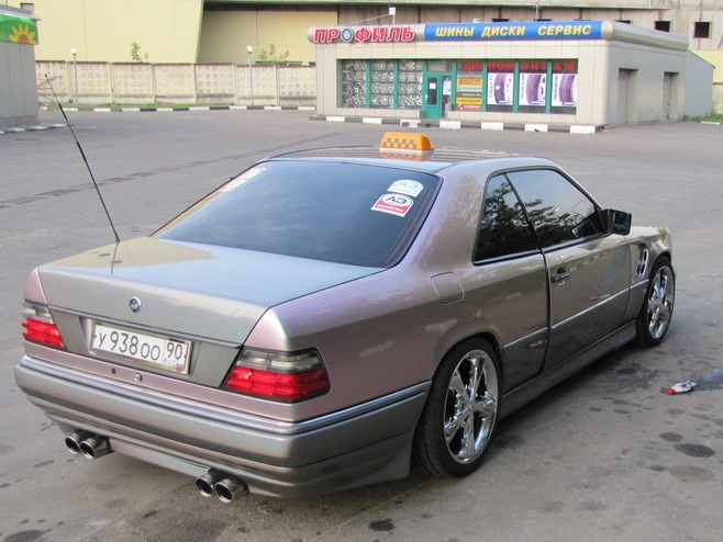 Mercedes benz w124 coupe chameleon color benztuning for Mercedes benz w124 tuning
