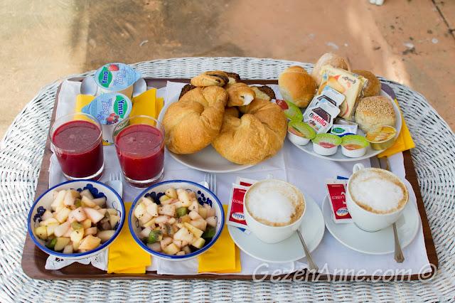 Villa Yiara'da sabah kahvaltısı