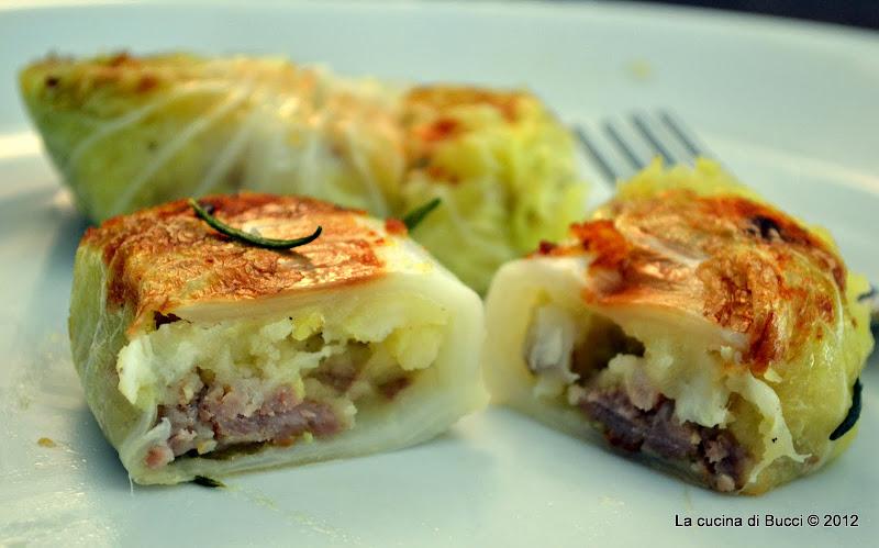 Involtini di cavolo cinese, salsiccia e patata