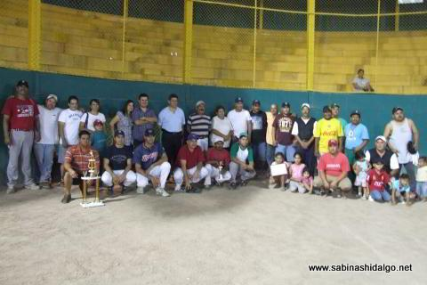 Inauguración del torneo nocturno de softbol