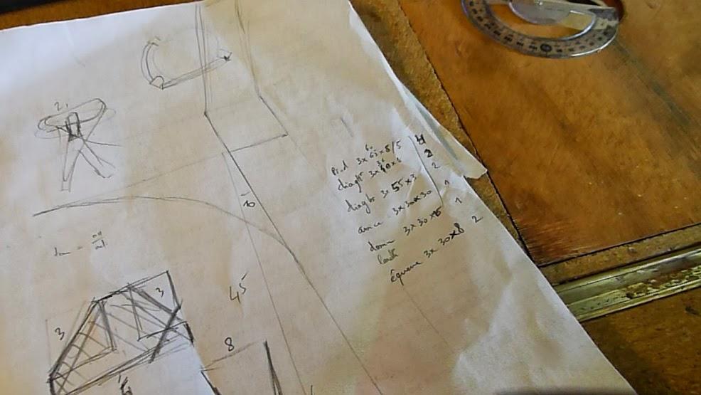 Chaise design pour petit garçon P1060818