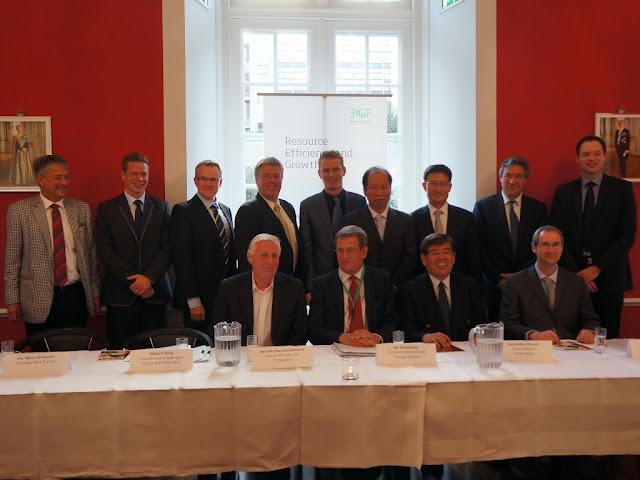 9 października 2012 roku podpisano porozumienie do stałej oferty pojazdów wodorowych marek Honda, Hyundaii, Nissan i Toyota