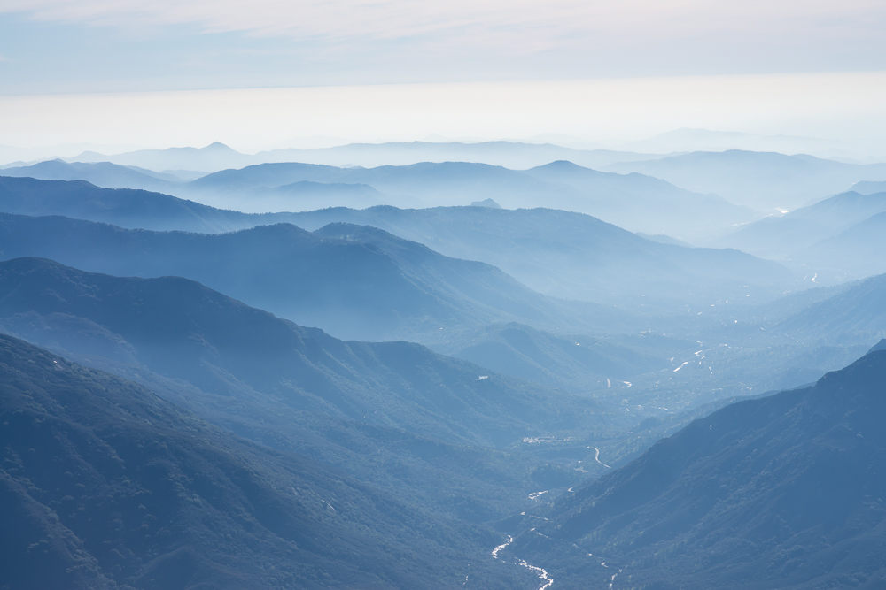 Sequoia NP, California, view from Moro Rock