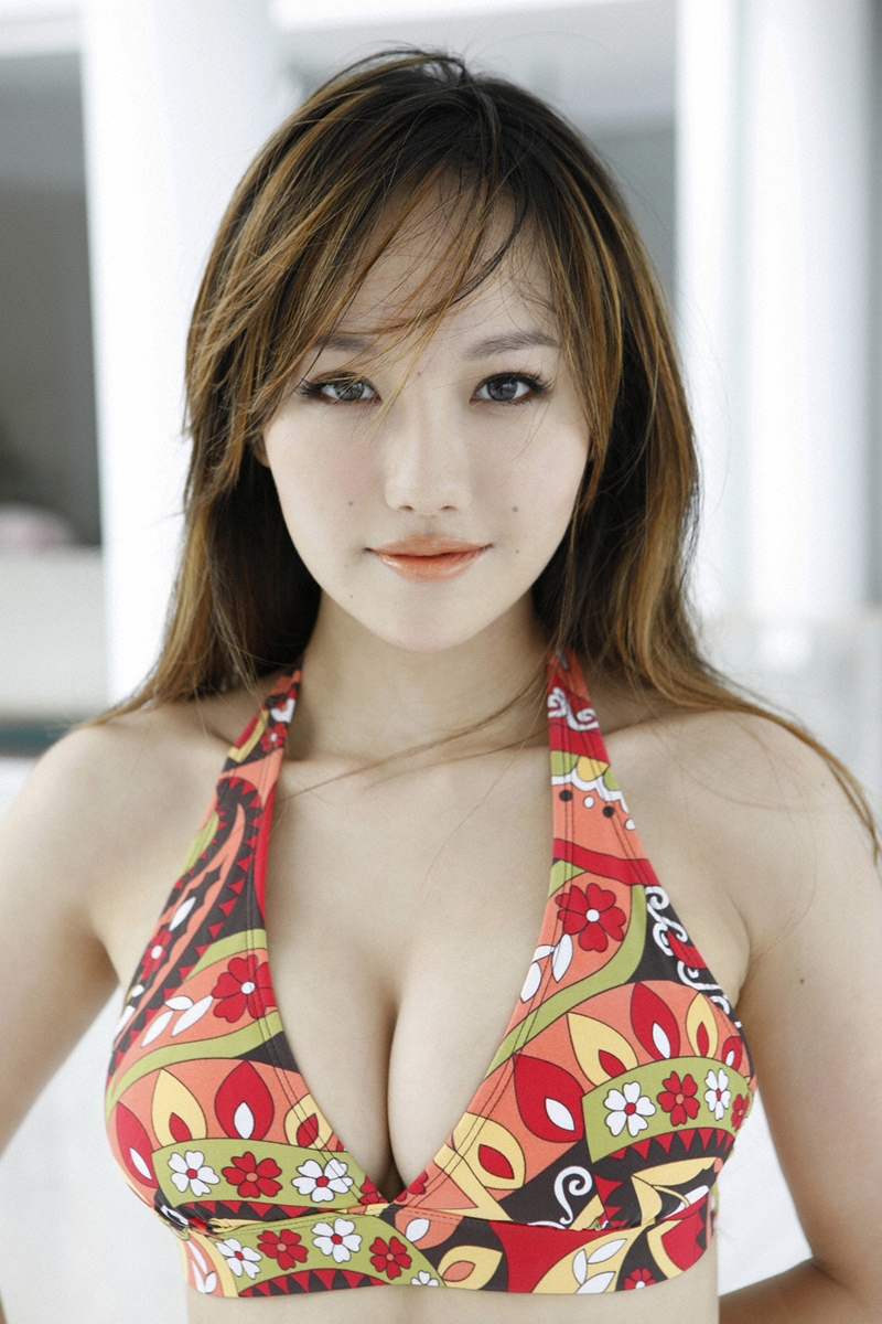 girlz pic nana tanimura sexy in colorful bikini