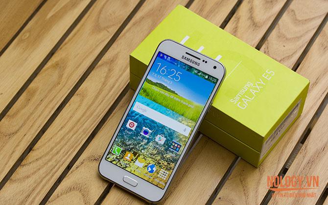 Xả kho Samsung Galaxy E5 giá sốc bảo hành 12 tháng