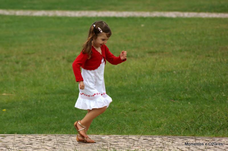No Jardim Infantil, Algodeia