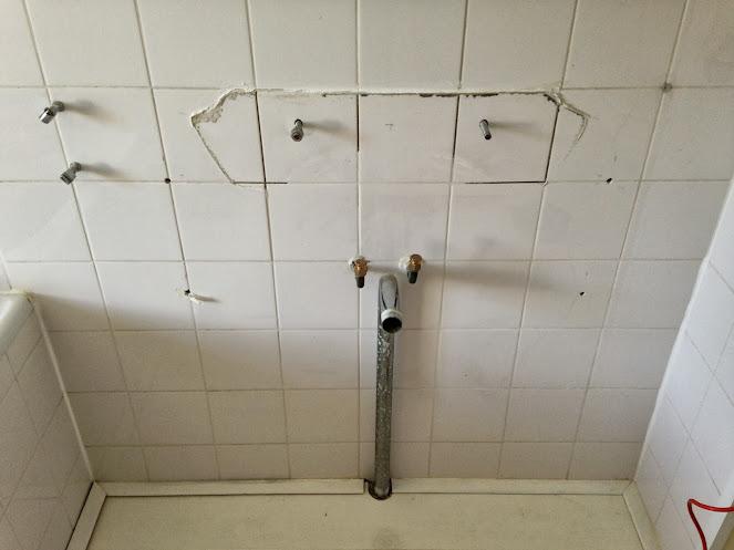 Nieuw badkamermeubel/wasbak afvoer op oude situatie tips?