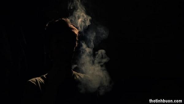 thơ hút thuốc trong đêm buồn 1 mình