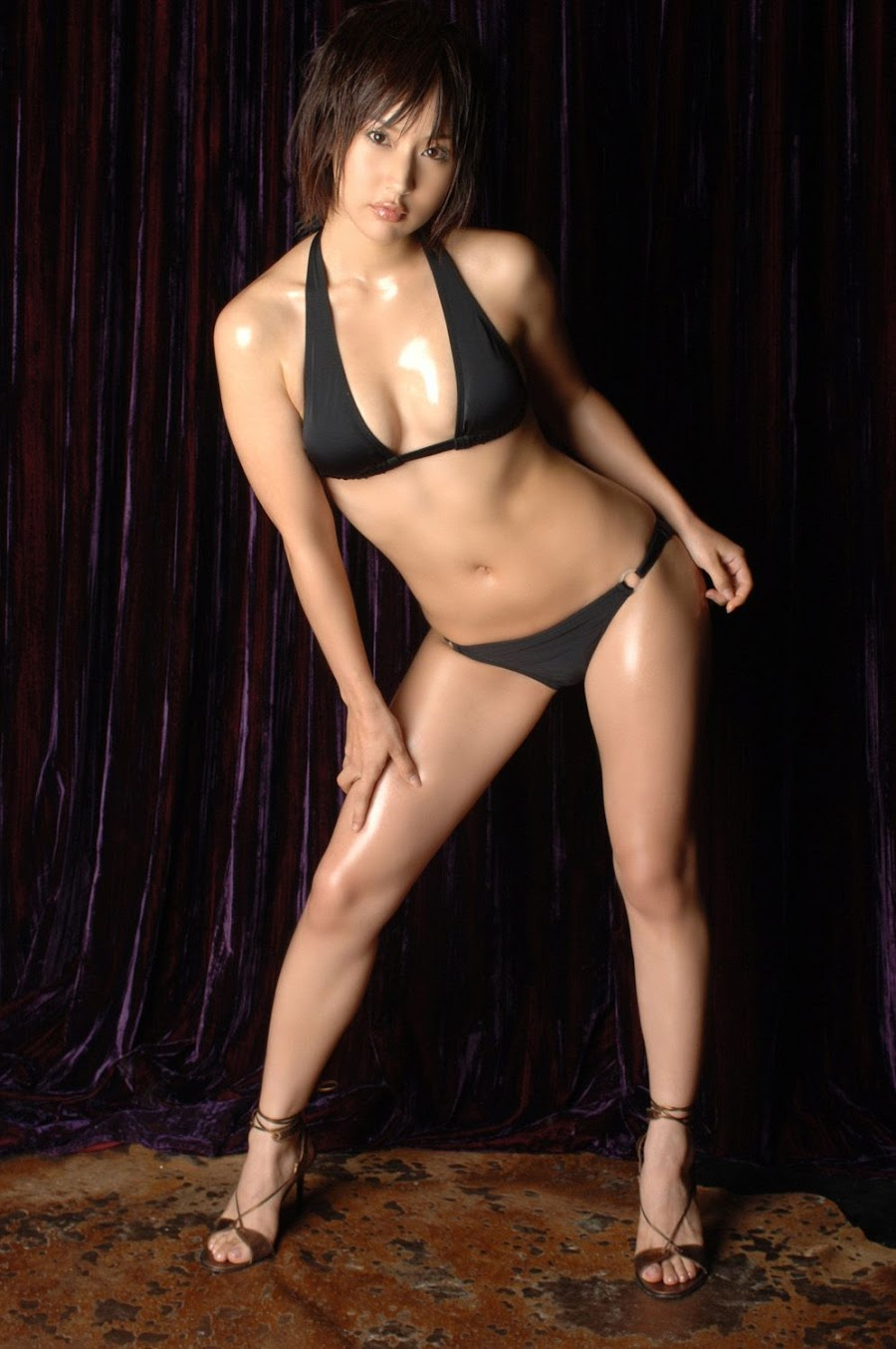 Misato Hirata - sexy Japanese gravure idol and actress