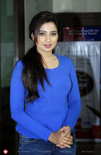 50 Best Shreya Ghoshal Wallpapers And Pics 2018 Photoshotoh