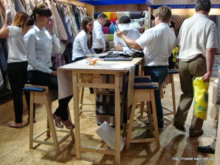 Стол и барные стулья из фанеры