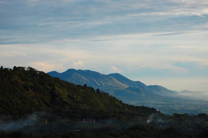 Pegunungan sekitar Papandayan