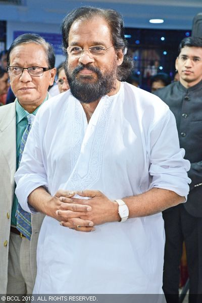 Yesudas attends Sudha Raghunathan's son Kaushik and Urmitapa's wedding ceremony, held in the city recently.