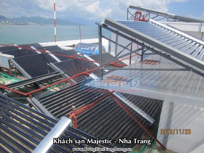 Hình ảnh thực tế Hệ thống máy nước nóng năng lượng mặt trời MEGASUN tại Khách sạn Majestic - Nha Trang
