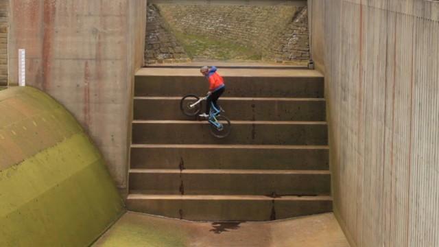 *Chris Akrigg 極限單車特技:飛簷走壁Q彈駕馭! 6