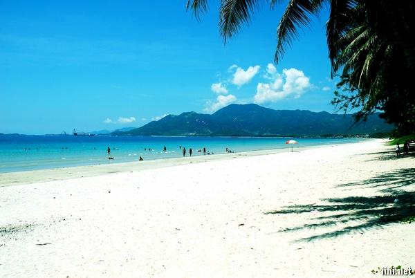 ảnh biển đẹp với khách du lịch biển