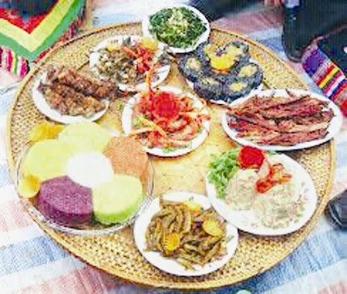 409 Triết lí nhân sinh qua văn hóa ẩm thực của người Thái