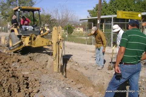 Obra de drenaje en calle Cuauhtémoc de Sabinas Hidalgo