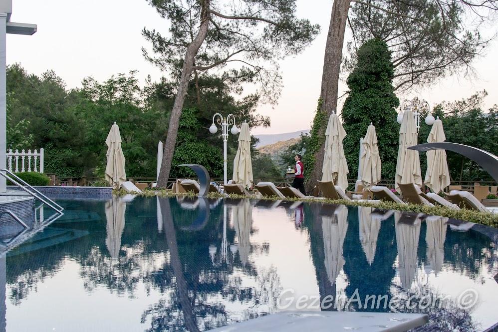Limak Yalova Butik Otel dış havuzu