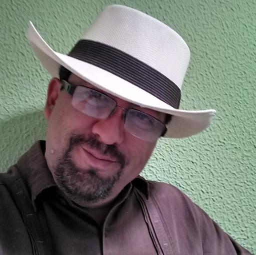 Alejandro Gama Photo 9