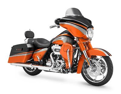 2011-Harley-Davidson-FLHXSE2-CVO-Street-Glide