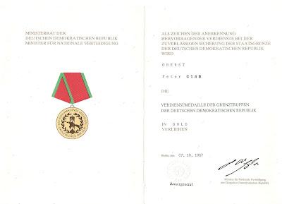 280c Verdienstmedaille der Grenztruppen der DDR in Gold http://www.ddrmedailles.nl