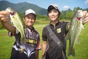 35位 秋鹿剛プロ(左) 1本 320g-32位 細金雅仁選手(右) 1本 340g
