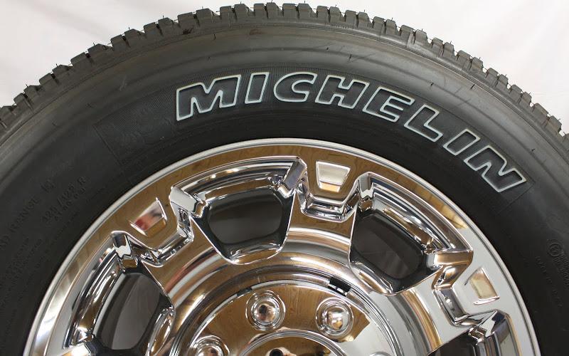 "New Take Off 2013 Ford F250 F350 8 Lug 18"" Chrome Wheels Rims Michelin Tires"