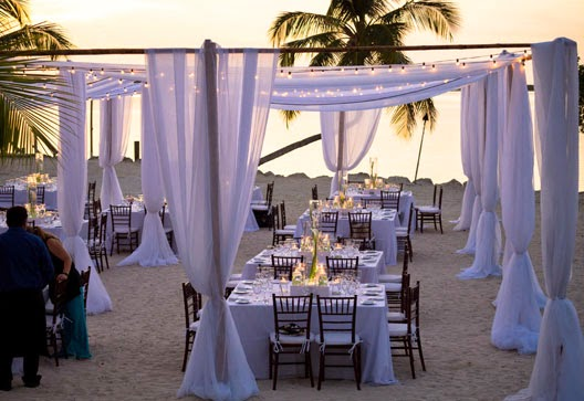White decoration for beach weddings