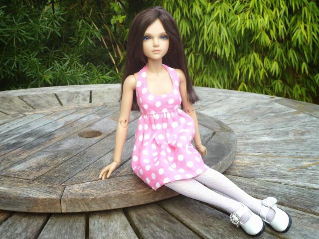 Alice (Leona JID Iplehouse) en cure de remise en forme (p 2) Essai%2520perruques07